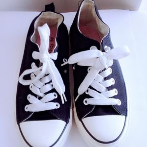 Black and White Women Sneakers